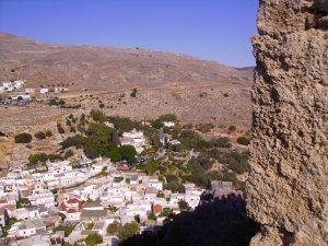 Die Akropolis von Lindos bzw. deren Auf- und Abstiegsrouten spielen eine zentrale Rolle im 2018 erscheinenden Roman.